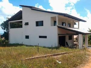 Casa onde croata e sueco foram mortos em Jenipabu, litoral Norte do RN (Foto: Sérgio Henrique Santos/Inter TV Cabugi)