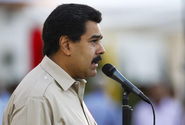 Maduro fala em cerimônia com as Forças Armadas da Venezuela (Foto: Carlos Garcia Rawlins/Reuters)