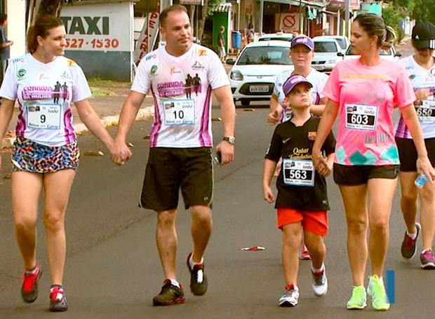 caminhada rosa (Foto: Reprodução/RPC)