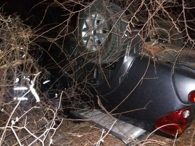 Motorista foi levado pelo Samu para Hospital do Oeste (Foto: Jadiel Luiz/ Blog do Sigi Vilares)