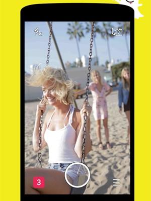 Snapchat agora não exige que você segure o dedo na tela para ver fotos, vídeos ou histórias (Foto: Divulgação/Snapchat)