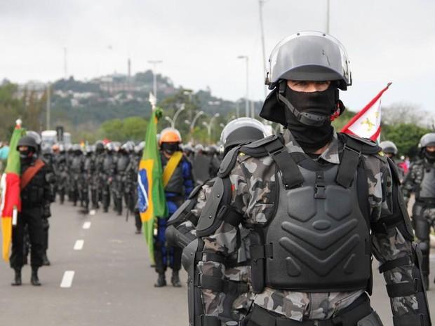 BOE recebeu 200 kits da 'armadura' (Foto: Divulgação/Brigada Militar)