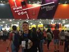 Estudante rifa livros escritos pelo avô para ir à Bienal do Livro em São Paulo