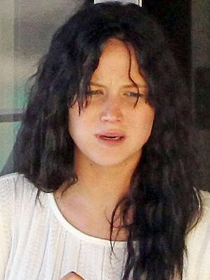 ... e aqui a atriz sem maquiagem. (Foto: Grosby Group)