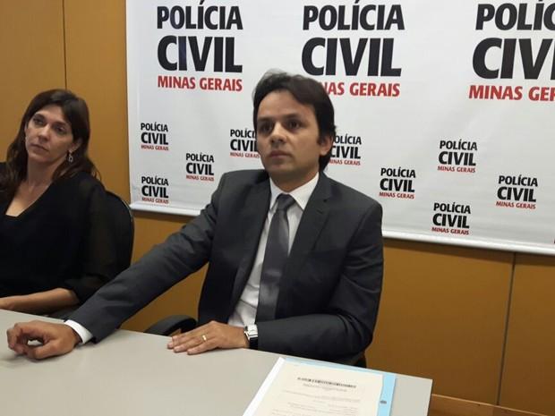 Delegados que investigam caso dão entrevista coletiva à imprensa em Três Corações (Foto: Samantha Silva/G1)
