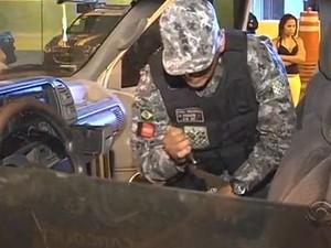 Soldados da Força Nacional chegaram a Joinville na terça (7) (Foto: Reprodução RBS TV)