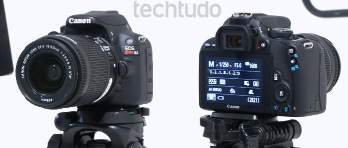 O corpo da Canon EOS Rebel SL1 possui um belo design e segue o estilo das demais DSLR de entrada (Foto: Adriano Hamaguchi/TechTudo)