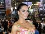Graciella Carvalho exibe cintura fininha e gominhos em evento