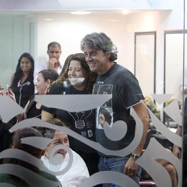 Alexandre Borges posou para os fãs (Foto: Delson Silva/AgNews)