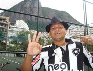 O botafoguense José Machado que aposta em vitória de 3 a 0 com gol de Loco Abreu (Foto: Janir Junior / Globoesporte.com)