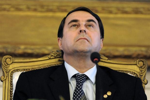 O novo presidente do Paraguai, Federico Franco, nesta sexta-feira (6) no Palácio Presidencial, em Assunção (Foto: AFP)
