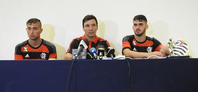 Léo Duarte, Zé Ricardo, Felipe Vizeu, Flamengo (Foto: Fred Gomes/GloboEsporte.com)
