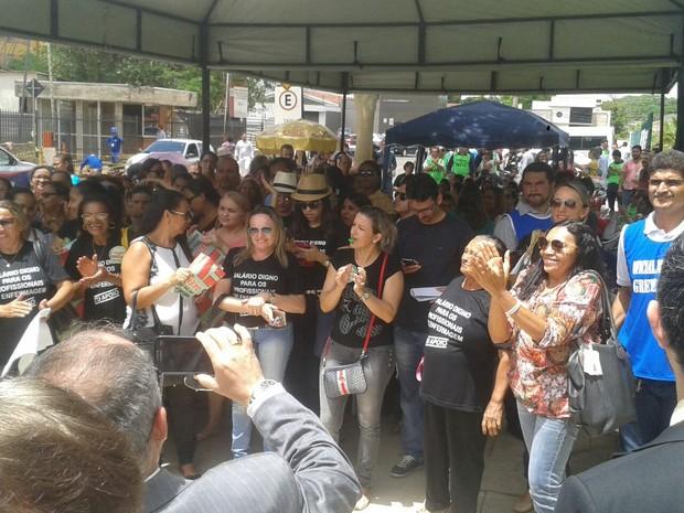 Enfermeiros, técnicos e auxiliares pararam as atividades no dia 4 de março (Foto: Gustavo Almeida/G1)
