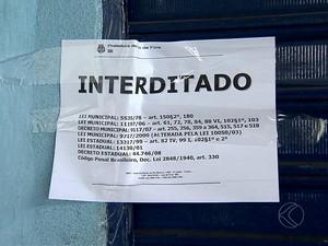 Quadra de escola de samba é interditada em Juiz de Fora (Foto: Reprodução/TV Integração)