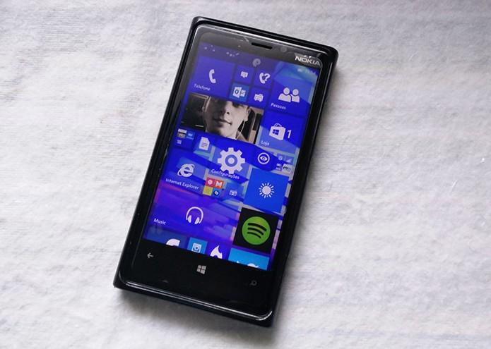 Windows 10 para smartphone já está disponível para testes mas deve mudar até versão final (Foto: Elson de Souza/TechTudo)