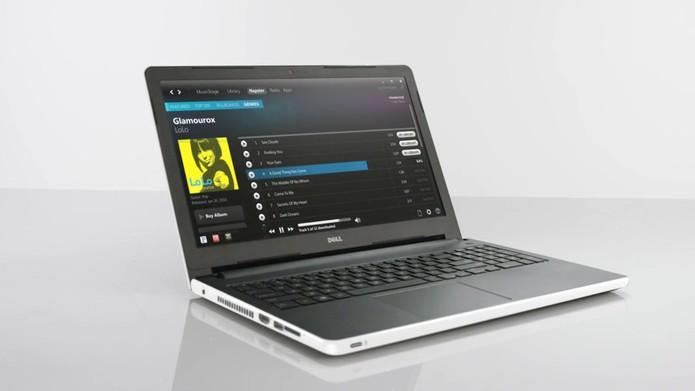 Dell Inspiron 15 tem tela de 15,6 polegadas, mesmo tamanho do Samsung Essentials E33 (Foto: Divulgação/Dell)