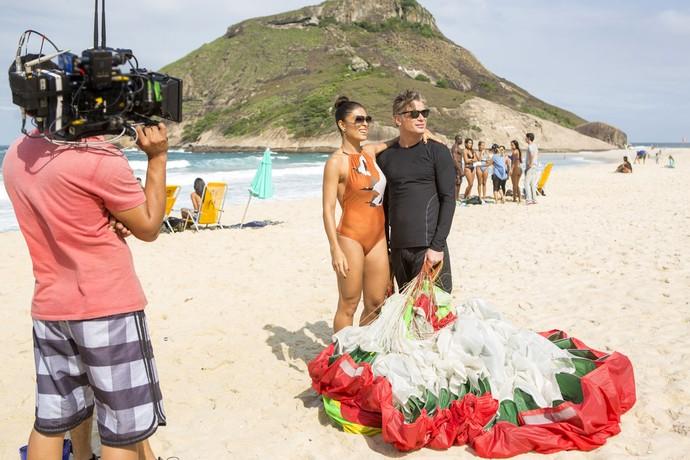 Ju Paes e Fábio Assunção gravam cenas de Carolina e Arthur (Foto: Ellen Soares/Gshow)