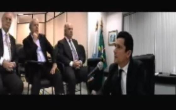O ex-presidente Lula presta depoimento ao juiz Sergio Moro (Foto: Reprodução/ Youtube)