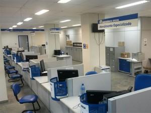 Segundo Sindsprev-PE, 30% da categoria está trabalhando para manter serviço essencial (Foto: Cacyone Gomes / TV Globo)
