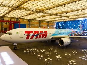 Avião temático da TAM (Foto: Divulgação/TAM)