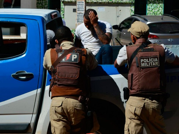 Homem foi preso após ser identificado em câmeras (Foto: Ivan Gehlen / BlogBraga)