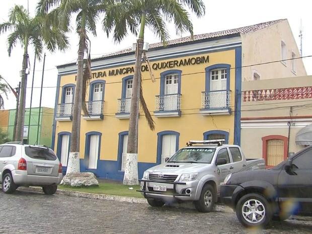 Prefeitura não teve atividade nesta terça-feira; prefeito e vice estão afastados (Foto: TV Verdes Mares/Reprodução)