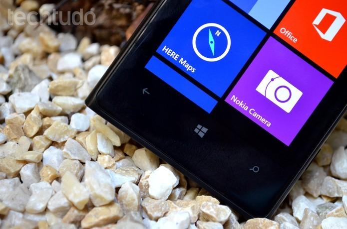 Falta de suporte ao Windows 10 Mobile e a falta de apps para o Windows Phone que roda no celular são pontos críticos do Lumia 1020 (Foto: Luciana Maline/TechTudo) (Foto: Falta de suporte ao Windows 10 Mobile e a falta de apps para o Windows Phone que roda no celular são pontos críticos do Lumia 1020 (Foto: Luciana Maline/TechTudo))