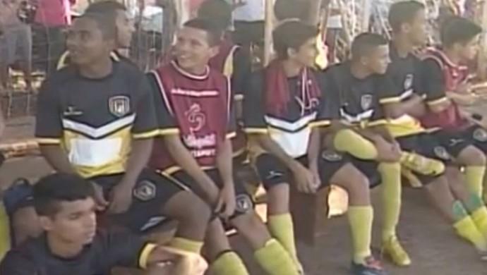 base Ituiutabano Ituiutaba Segundona Mineiro 2015 (Foto: Reprodução/ TV Integração)