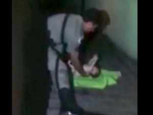 Bebê abre os braços para ser salvo por sargento (Foto: Arquivo Pessoal)