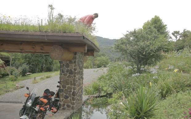 Dirio do Olivier - Arquitetura verde: pousada com telhado de grama no Rio Grande do Sul fica