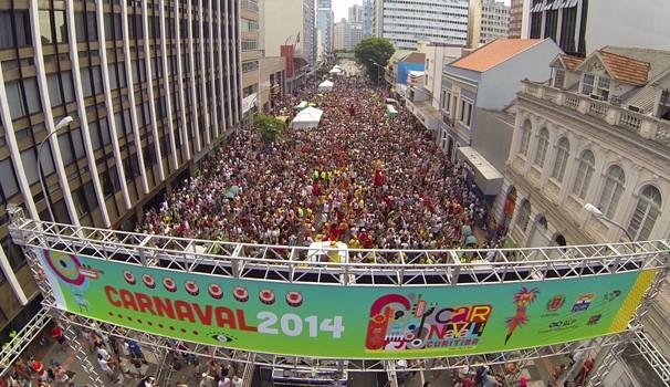 Pré-carnaval Garibaldis e Sacis em Curitiba (Foto: Reprodução/RPC TV)