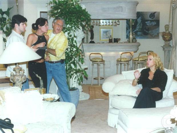 Léo (Murilo Benício), Milena (Carolina Ferraz), Atílio (Antonio Fagundes) e Branca (Susana Vieira) em Por Amor