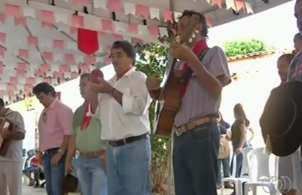 Festa das Cavalhadas movimenta população de Pirenópolis, Goiás (Foto: Reprodução/TV Anhanguera)