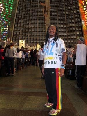 Simpatizante do Rastafarianismo, Francisco de Assis Pinheiro se despediu de dom Eugenio (Foto: Bernardo Tabak/G1)
