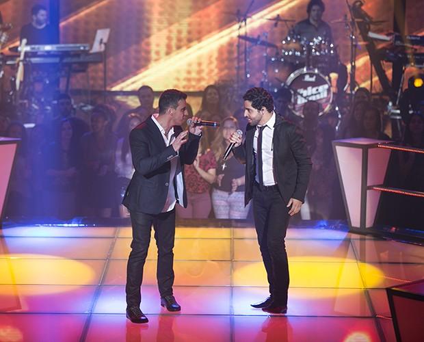 """Ricardo Diniz e Kadu Vianna cantam """"Haven´t Met You Yet"""", de Michael Bublé (Foto: Isabella Pinheiro/Gshow)"""