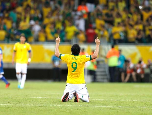 Fred comemoração Brasil e Itália (Foto: Agência AP)
