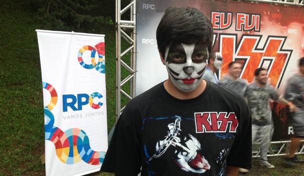 Fã do Kiss desde os 9 anos, Daniel caprichou na maquiagem e na escolha da camiseta da banda (Foto: Divulgação/RPC)