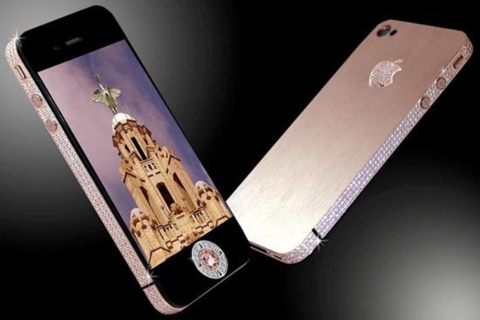 iPhone 4 é cravejado por 500 diamantes (Foto: Reprodução/Engadget)