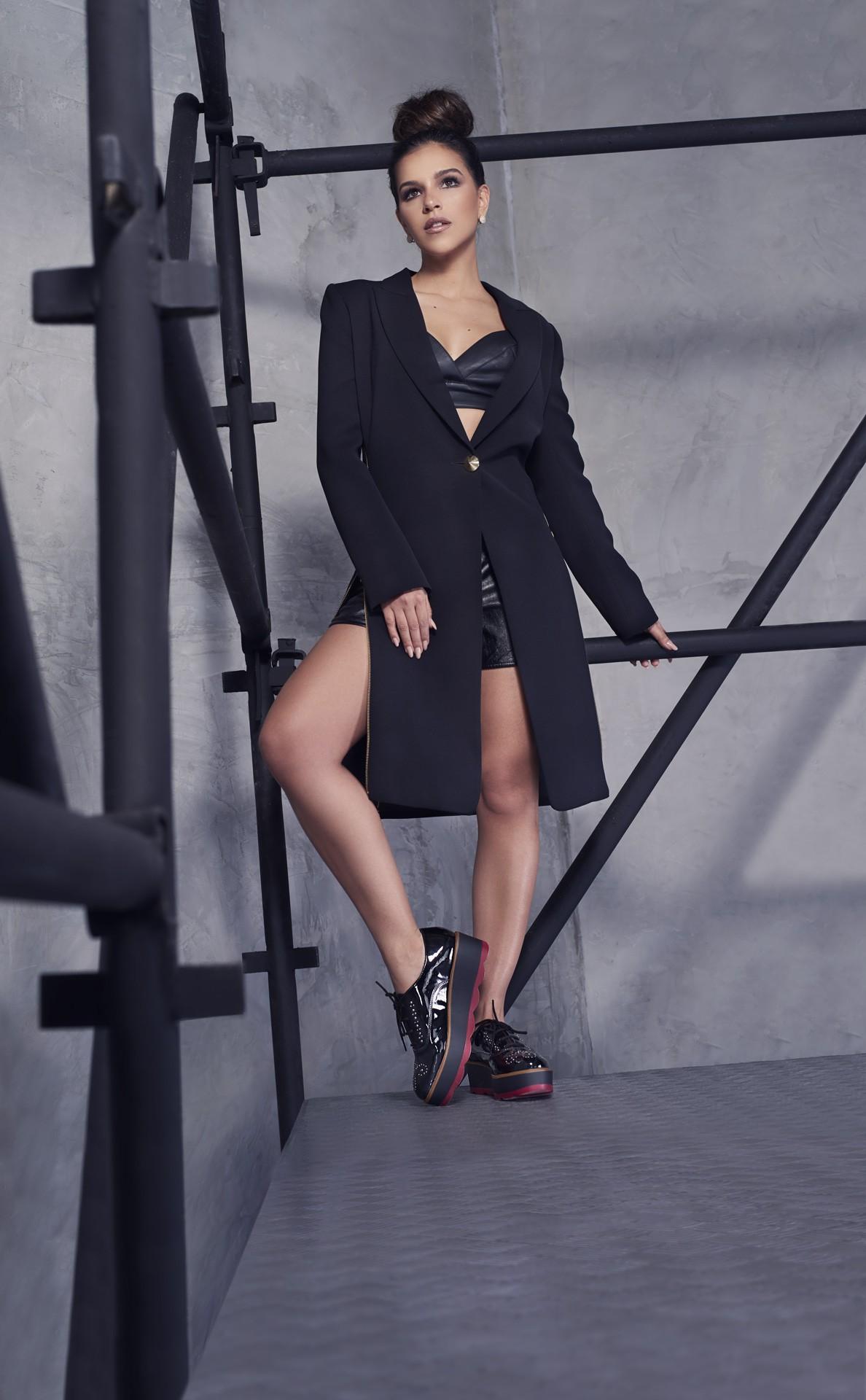 Mariana Rios estrela Campanha da Constance Calçados (Foto: Divulgação)