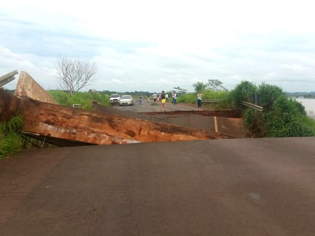 Motoristas que querem ir para o Mato Grosso do Sul devem seguir para Guaíra (Foto: Divulgação/ Polícia Rodoviária Federal)