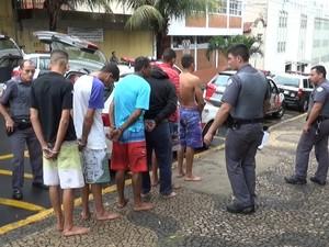 Seis homens foram presos após 'arrastão' em motel de Piracicaba (Foto: Valter Martins / Piracicaba em alerta)