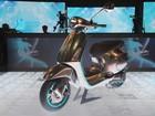 Vespa cria scooter elétrico, mas mantém visual clássico