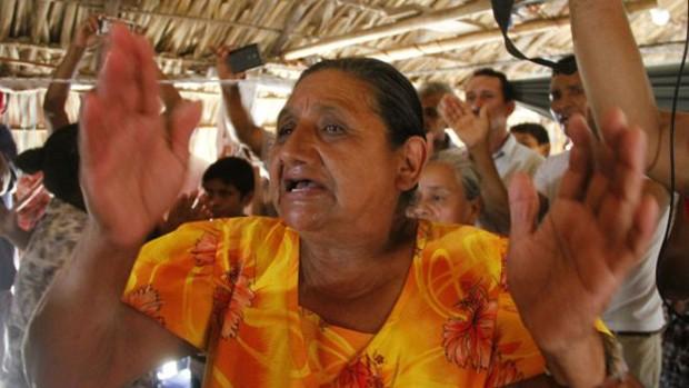 Mais de 600 pessoas esperam a chegada do Espírito Santo e o arrebatamento divino na Nicarágua (Foto: Alejandro Sanchez/El Nuevo Diario)