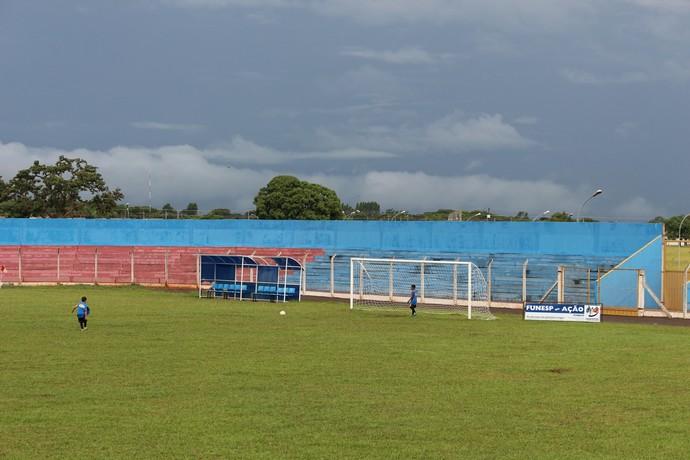 Estádio Jacques da Luz em Campo Grande (Foto: Hélder Rafael)
