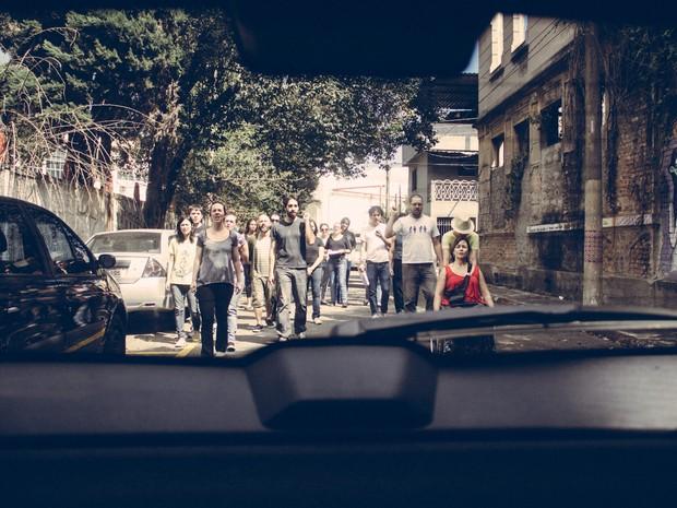 """""""Estrada do Sul"""" promove interação entre público e atores dentro dos carros (Foto: Marcela Falci / Divulgação)"""