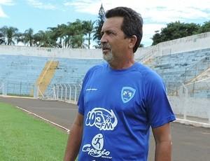 Paulo Melo, técnico do Osvaldo Cruz (Foto: Ronaldo Nascimento / GloboEsporte.com)