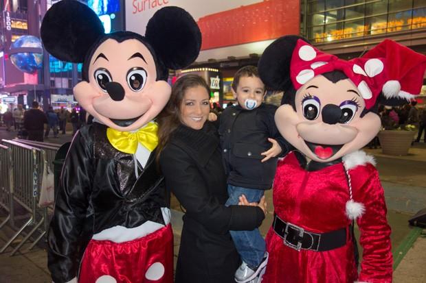 Nana Gouvêa em Nova York com os enteados (Foto: Divulgação)
