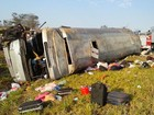 Ônibus que se acidentou e matou 2 fazia viagem irregular, diz delegado