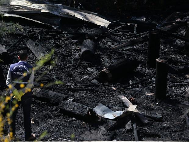 CTG foi incendiado na madrugada desta quinta-feira em Santana do Livramento (Foto: Agência RBS)