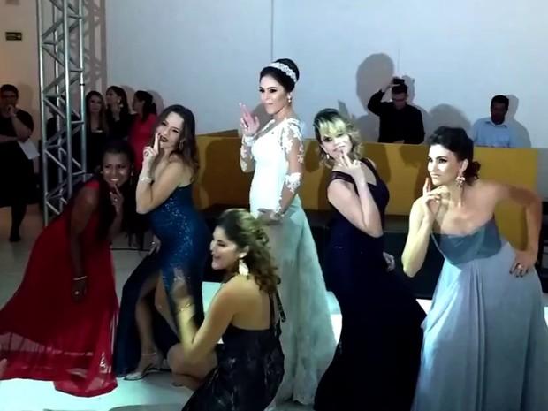 Noiva faz sucesso na web após dançar música da Anitta em casamento, em Goiânia, Goiás (Foto: Reprodução)